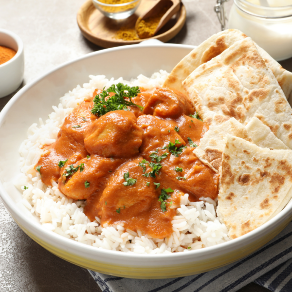 featured image showing the finished butter chicken recipes ready to eat.